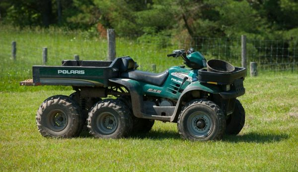4 Features To Consider In A UTV Cargo Bed