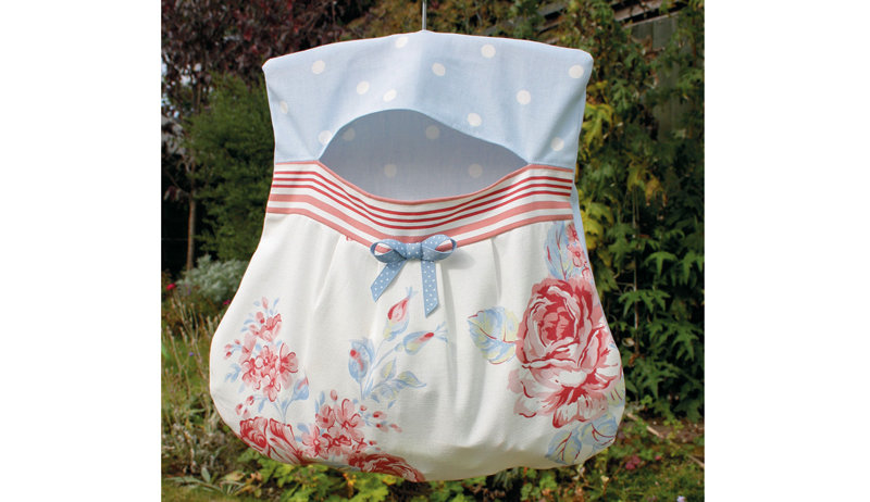 clothesline clothespin bag