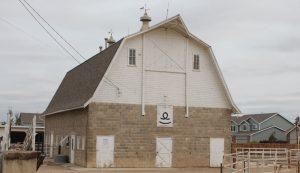 gambrel style homestead barn