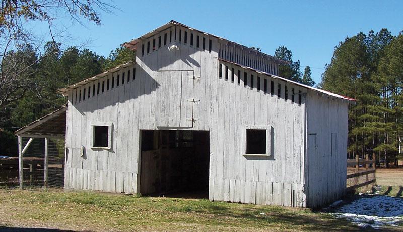 monitor style homestead barn