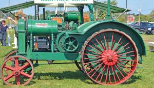 tractor history old