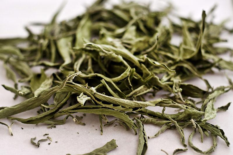 dried stevia