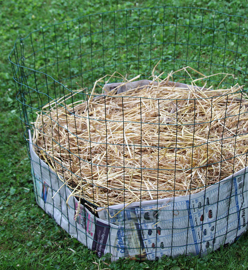 mulch with straw
