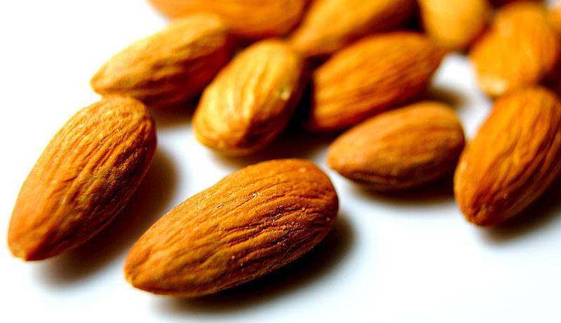 nuts grow farm almonds