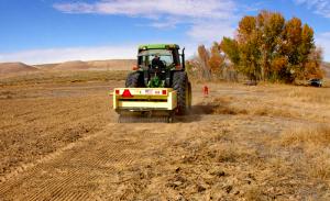 farm equipment broadcast seeder
