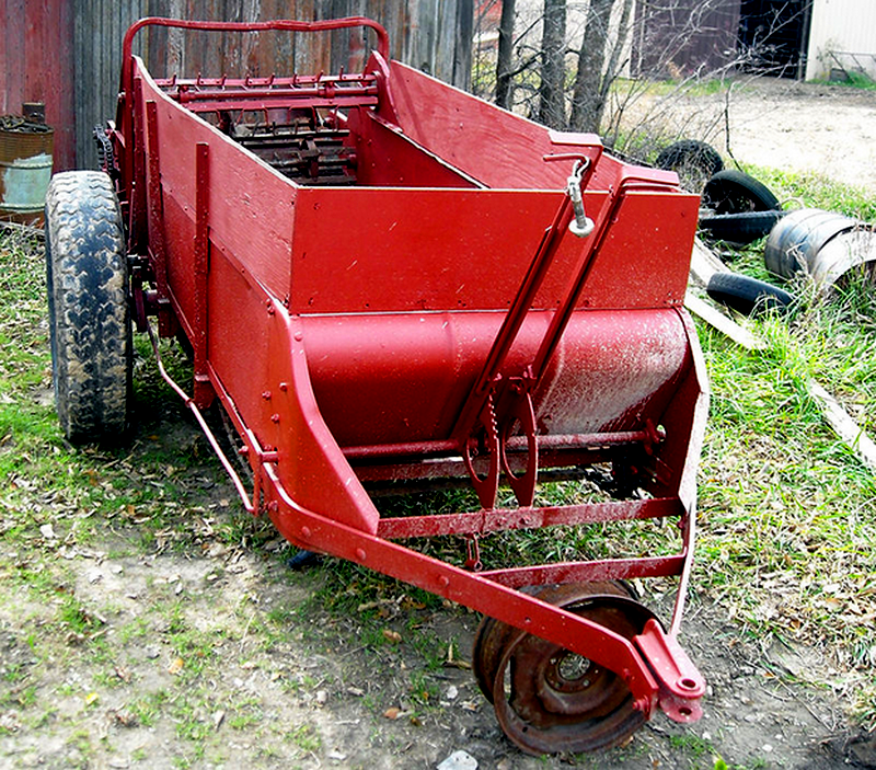 farm equipment manure spreader
