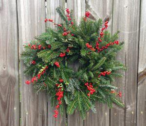 hanging Frisbee wreath