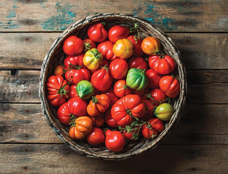 market crops heirloom tomatoes