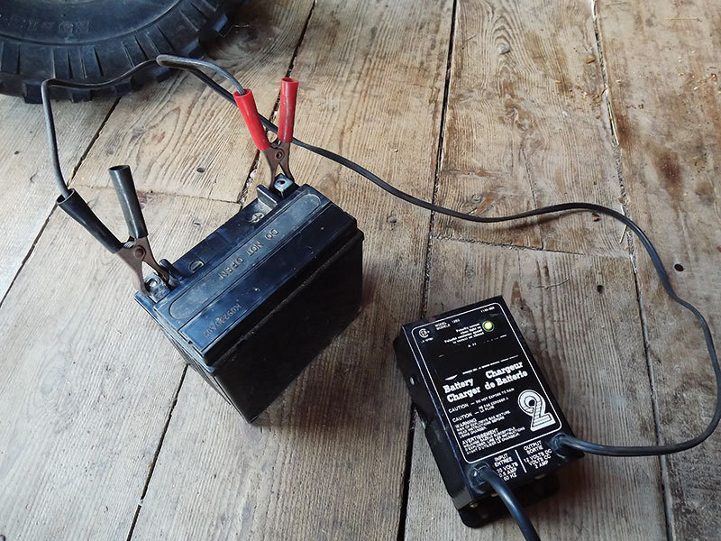 small farm machines charge battery