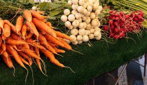 farmers market sales vegetables