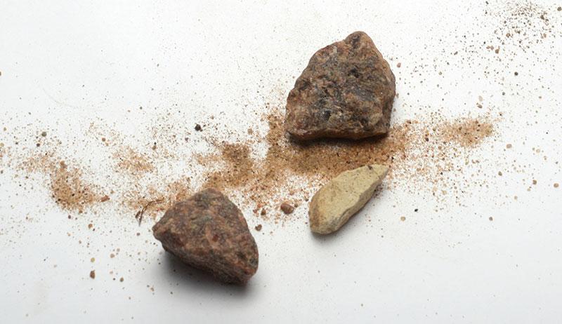 chickens eat rocks