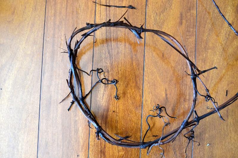 foundation of grapevine wreath